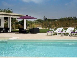 Casa Malva - Villetta sulle colline di Scicli con giardino e piscina privata