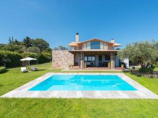 Blue & Green View Villa