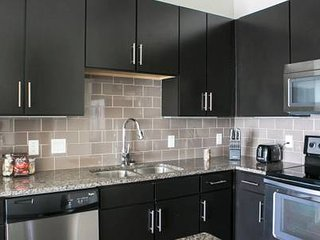 57 -University Park★Luxury 2 bed, 2 bath Apt