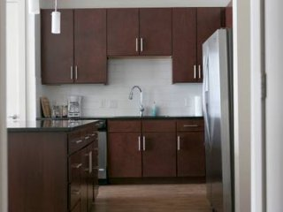 47 -University Park -Luxury 2 bedroom, 2 bath Apt