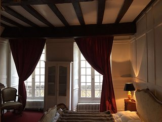 Dinan  Fantastic apartment in the heart of this Historical Town.