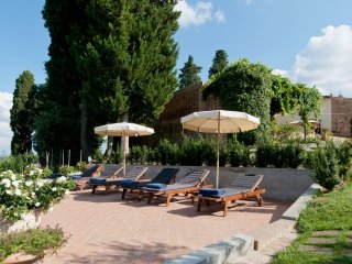 Villa sulle colline di Montaione con giardino e piscina privati