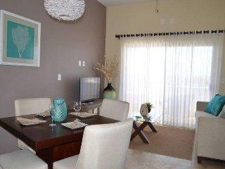 Hotel Club Cerralvo - One Bedroom Condo 103 - HCC