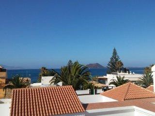 Villa en Corralejo cerca de la playa y con terraza vista al mar