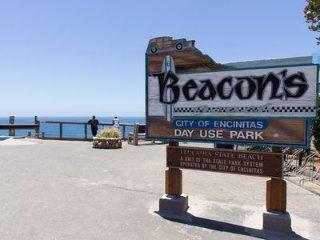 Spacious Condo 100ft to Beacon's Beach- Balconies, Patio, Beach Gear, A/C