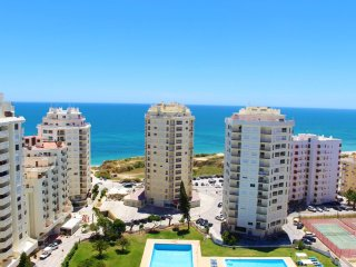 2 Bedroom Apartment close to the beach, panoramic sea view