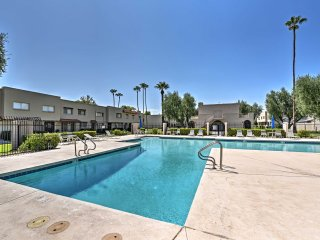 Full Remodel! 5 Min Walk to Old Town Scottsdale!
