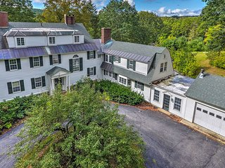 NEW! Colonial 9BR Keene House on 7 Acres w/ Pool!