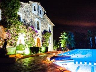 16th Century Classic Spanish Villa in Catalonia - El Magnifico