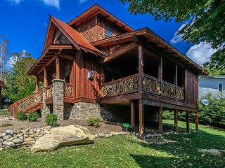White Tail mountain cottage getaway, River Club at Eagles Nest, Banner Elk, NC