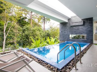 Villa 11942, Kamala