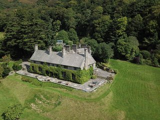 Bossington Hall, Allerford - Arts and Crafts Country House for up to 30 guests