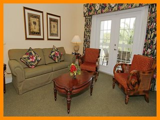 Heritage Crossing 3 - 5 star condo with free access to communal pool near Disney