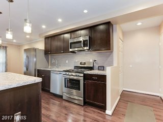 Spacious 2BR Condo★ Great location