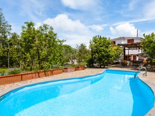 Villa Aisha with private pool and large garden close to Sorrento