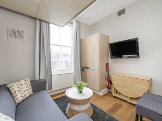 34/43 PERFECT Studio Apartment - With Unique Design Sliding Bed