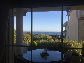 Spacious garden apartment with sea views Cabopino