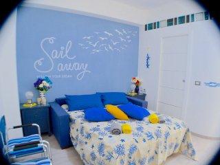 Esclusivo appartamento sulla spiaggia di Serapo al piano rialzato con giardino