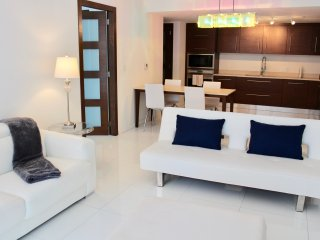 Very Cozy 1B apartment at ICON Brickell Tower 3! W