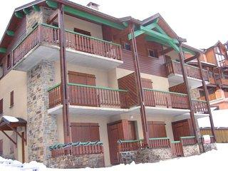 T2 cabine, 6 couchages, grande terrasse, vue degagee, place de parking privative