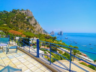 Seaview Capri luxury villa Airco Terrace 4+1, 2 bedrooms, 2 bathrooms