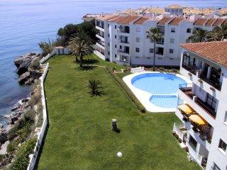 Las Palmeras L10, Apt. 2 Bedrooms, Sea Views, A/C, Pool, Torrecilla Beach