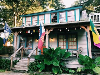 Blue Moon Guest House