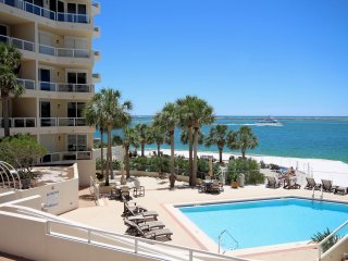 'Dolphin View'  at East Pass Towers - Best of Both Worlds, Beach & Harbor!
