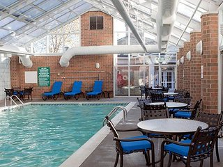 Stylish 1BR Condo w/ Resort Pool & 4 Miles to Notre Dame