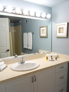 Riviera Beach & Shores Resorts Bathroom