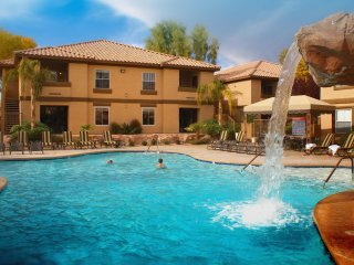 Family-Friendly Condo w/ WiFi, Resort Pool, Spa & Gym - 10 Min. to Vegas Strip