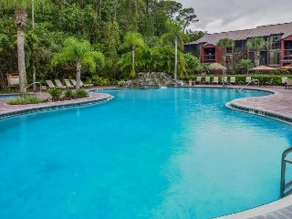 Lovely Condo Just 1 Mile From Disney w/ Resort Pool, WiFi & More