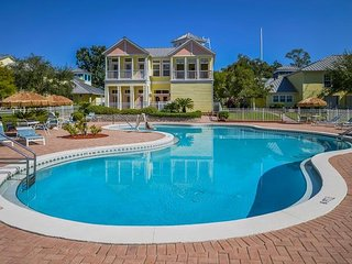 1BR w/WiFi, Lake Access & Resort Pool Next to Fun Spot USA, 3 Miles From Disney!