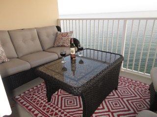 Crystal Shores West Penthouse 1402 - Luxury 4 Bedroom Heaven!