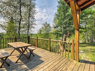 NEW! 'Stutts Creek Retreat' 1BR+Loft Cabin w/View