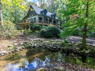 Almost Perfect ~ Located near Blowing Rock, Blue Ridge Parkway, and Price Lake