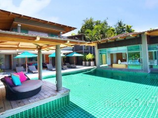 Stunning 5-Bed Villa in Layan