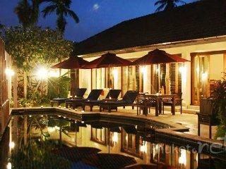 Stunning 4-Bed Villa near Loch Palm Golf Course