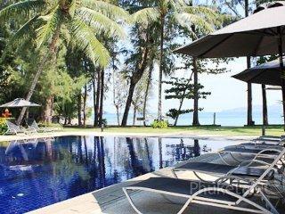 Seaside 3-Bed Villa on Bangtao Beach