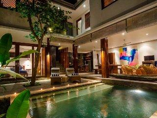 Stylish Beautiful 4, Private 4 Bedroom Villa, Umalas;