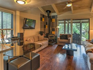 Contemporary Incline Village Condo; Walk to Dining