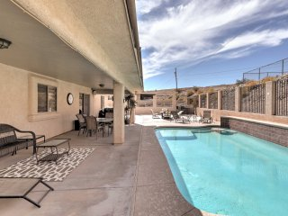 Home w/Furnished Patio & Pool -Mins to Lake Havasu