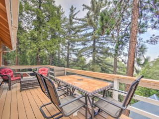 NEW! Serene 2BR House in Crestline w/ Forest Views