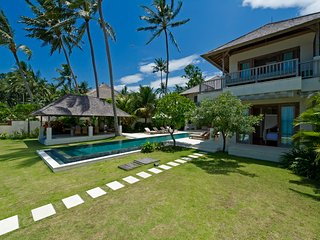 Luxury 4 Bedroom Villa3 Waterfront - Candidasa;