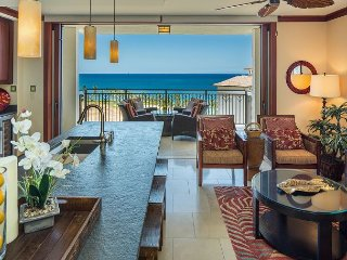 Penthouse Villa with Ocean, Mountain, & Golf Course Views! Free Wifi!