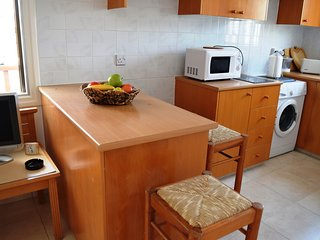 Venus 2 brm apartment - located in a Prime location-3minute walk from the sea