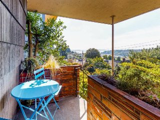 Cozy home in a great neighborhood w/ incredible city, bay & mountain views!