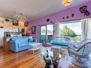 Oceanview condo with deck - walk 2 blocks to the seawall & shops in town