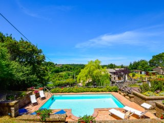 House with private & fenced pool, fenced garden 12km from Bolsena lake-Orvieto.