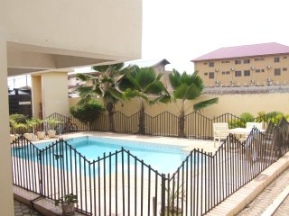 Luxury one bed apartment fully self contained with shared swimming pool